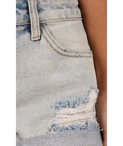 Hot Distraction Denim Shorts In Light Wash